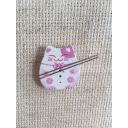 Needle Minder Pink cat