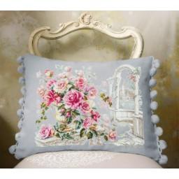 Cross Stitch Kit Roses for the Duchess art. 110-011