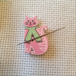Needle Minder Pink cat 2