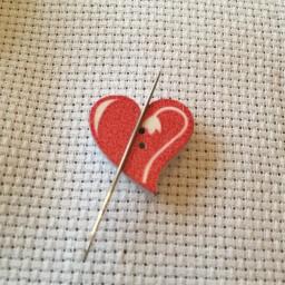 Needle Minder Heart 3