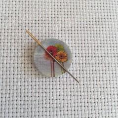 Needle Minder Flower circle