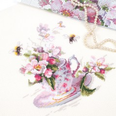 Cross Stitch Kit Cup and Apple blossom art. 120-041