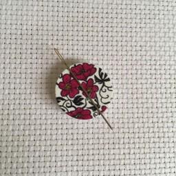 Needle Minder Flower circle 9