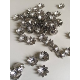 20 pcs 11x11 mm Plated Flower Metal Charms Bead Caps for Jewelry Making Nickel art. 204