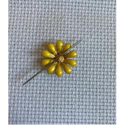 Needle Minder Beautiful Flower 11