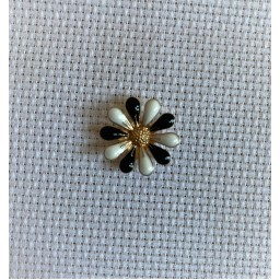 Needle Minder Beautiful Flower 9