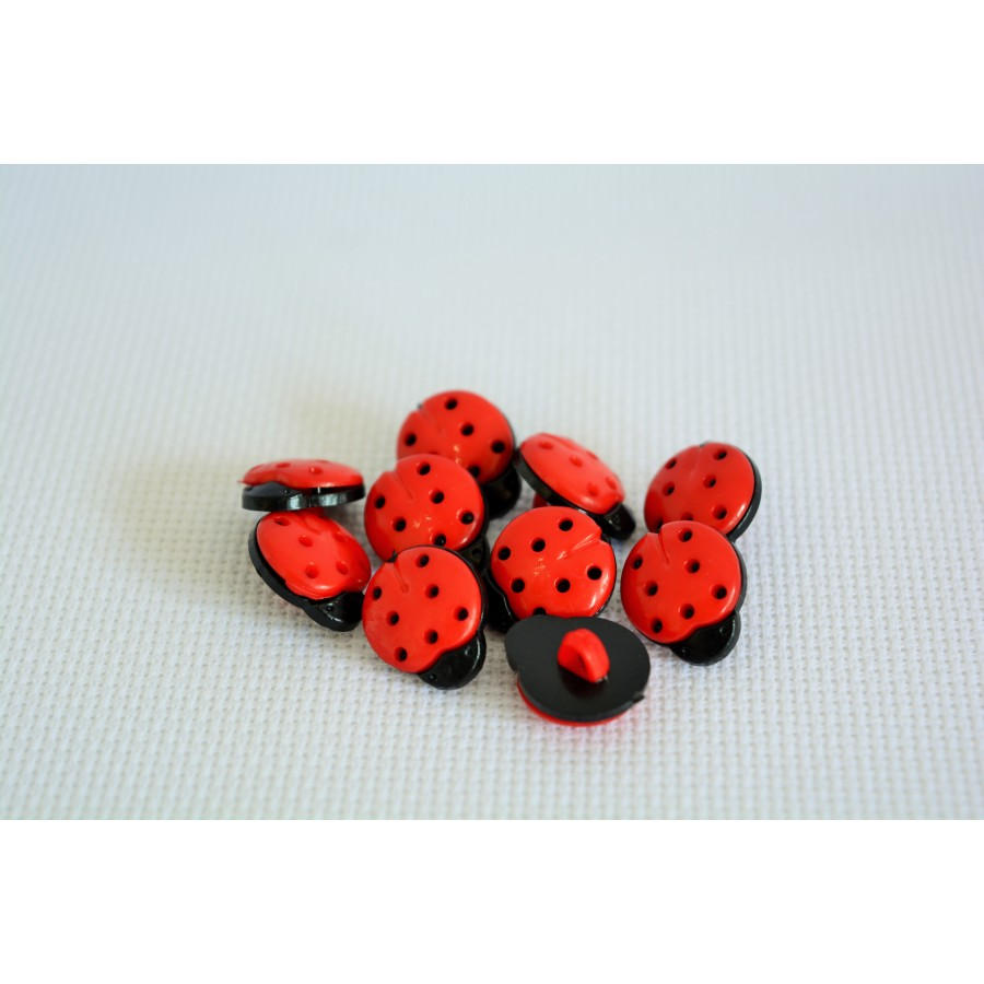 31 10 Pcs15MM red Dyed Plastic Ladybird buttons coat boots sewing clothes art