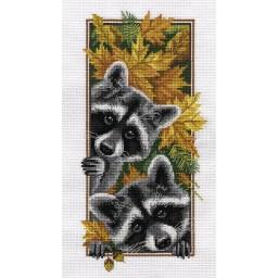 Cross Stitch Kit Curious Raccoons J-1778