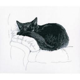 Cross Stitch Kit Among Black Cats M668