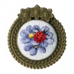 Embroidery Kit Ladybug Brooch SSH-017
