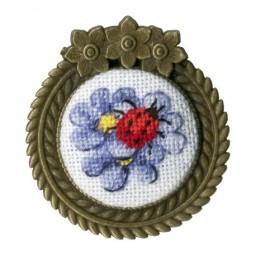 Embroidery Kit Ladybug Brooch SSH-017