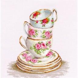 Cross stitch kit 3 Stacked Tea Cups B2323