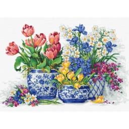 Cross stitch kit Spring flowers B2386