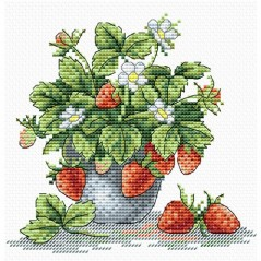 Cross Stitch Kit Appetizing strawberry M-066