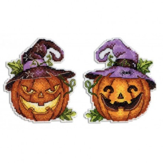 Cross Stitch Kit Halloween Pumpkin R-313 on plastic canvas