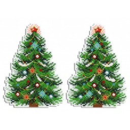 Cross Stitch Kit Christmas Tree R-453 on plastic canvas